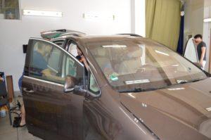 Бронирование стекол Volkswagen Touran фото 5