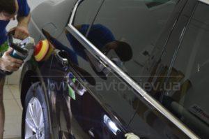 Снятие защитной пленки с BMW F10 фото 2