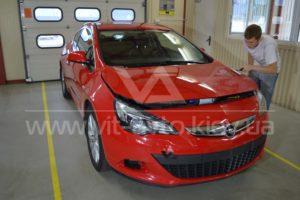 Фото антигравийной защиты кузова Opel Astra GTC - 2