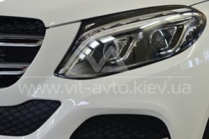 Фото антигравийной защиты кузова Mercedes-Benz ML - 7