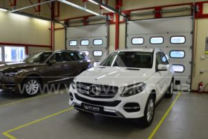 Фото антигравийной защиты кузова Mercedes-Benz ML - 8