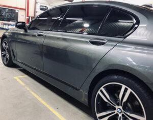 antixrom plenkoj BMW 5 2018 300x234 - antixrom-plenkoj-BMW-5-2018